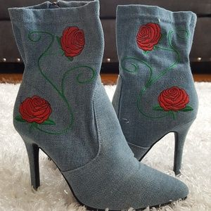 NWOT Forever jean boots with roses